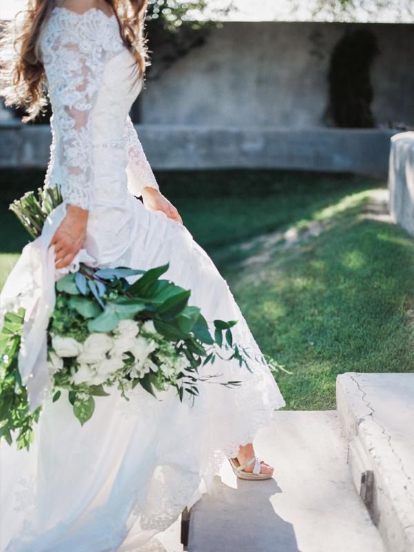 ABOUT-US-LUV-BRIDAL-AND-FORMAL-AUSTRALIA-1