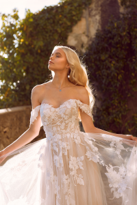 Luv Bridal & Formal Wedding Dress Elora