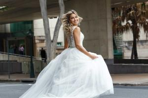 luv-bridal-website-banner-decla-princess-wedding-dress