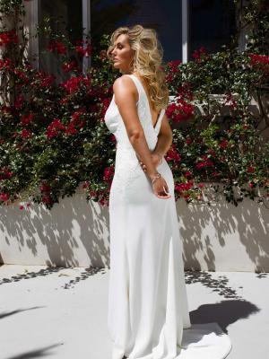 ELYSE-CURVE-WEDDING-DRESS