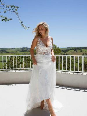 EVIE-MADE-WITH-LOVE-WEDDING-DRESS
