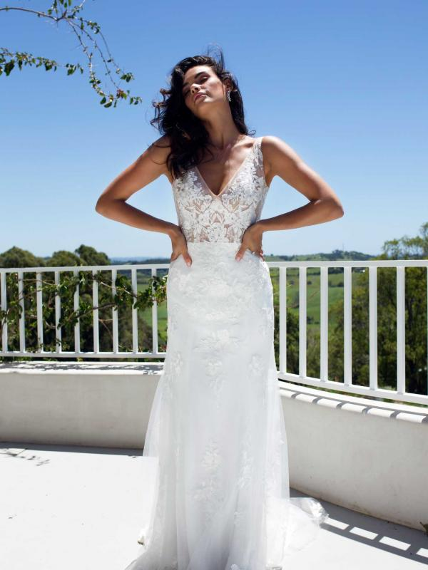 LUV-BRIDAL-EVIE-WEDDING-DRESS