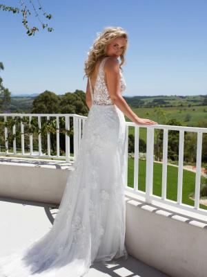 LUV-BRIDAL-LOW-BACK-WEDDING-DRESS-EVIE