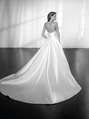 ZETA detachable mikado silk skirt fitted mermaid wedding dress luv bridal st patrick Pronovias