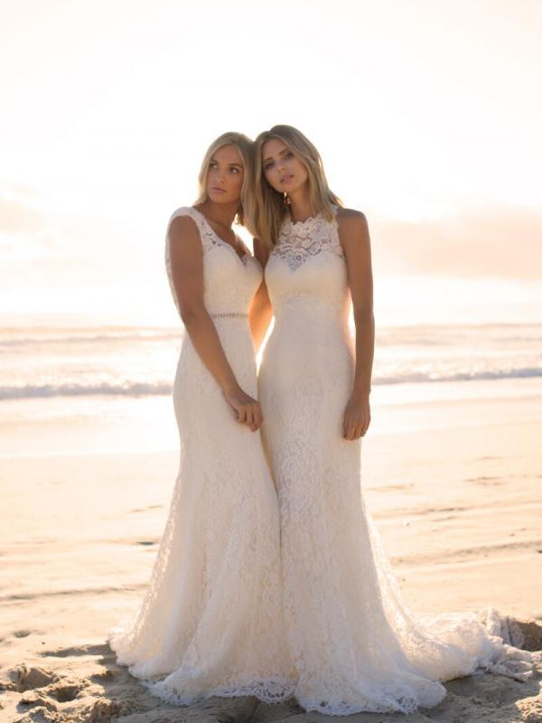 EVERLY EVITA MADI LANE LUV BRIDAL BYRON BAY AUSTRALIA FULL LACE FITTED WEDDING DRESS 5
