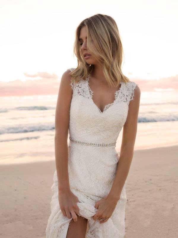 EVERLY MADI LANE LUV BRIDAL BYRON BAY AUSTRALIA FULL LACE FITTED WEDDING DRESS 5