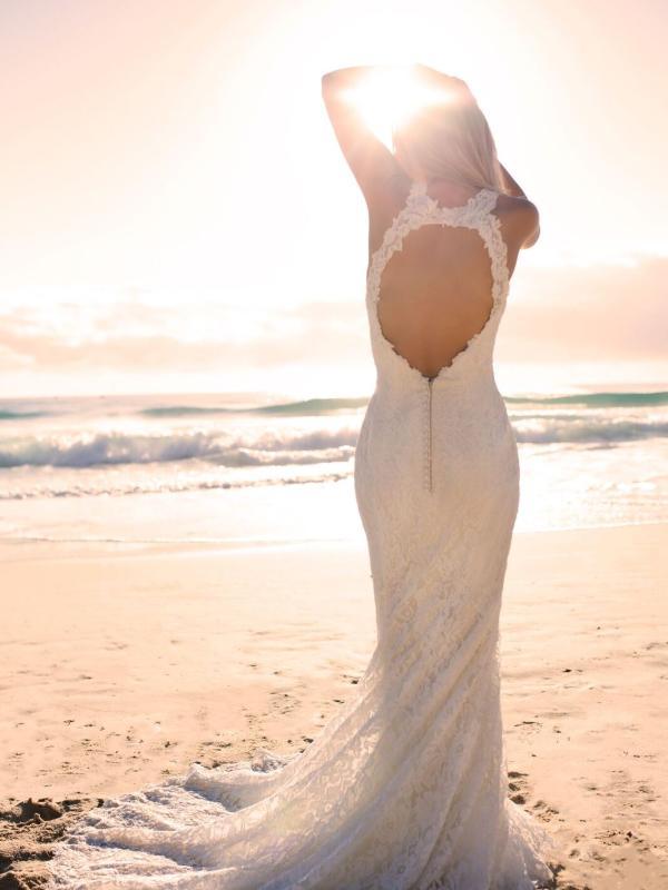 EVITA MADI LANE LUV BRIDAL BYRON BAY AUSTRALIA FULL LACE FITTED WEDDING DRESS 0