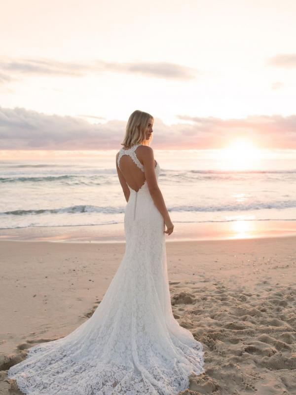 EVITA MADI LANE LUV BRIDAL BYRON BAY AUSTRALIA FULL LACE FITTED WEDDING DRESS 1