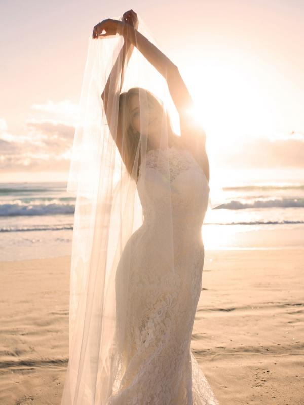 EVITA MADI LANE LUV BRIDAL BYRON BAY AUSTRALIA FULL LACE FITTED WEDDING DRESS VEIL