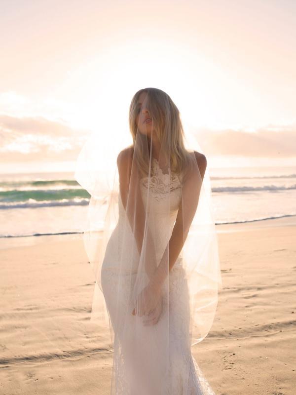 EVITA MADI LANE LUV BRIDAL BYRON BAY AUSTRALIA FULL LACE FITTED WEDDING DRESS VEIL2