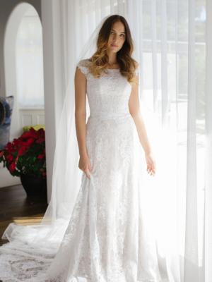 ESSIE-MADI-LANE-BRIDAL-CAP-SLEEVE-LACE-WEDDING-DRESS