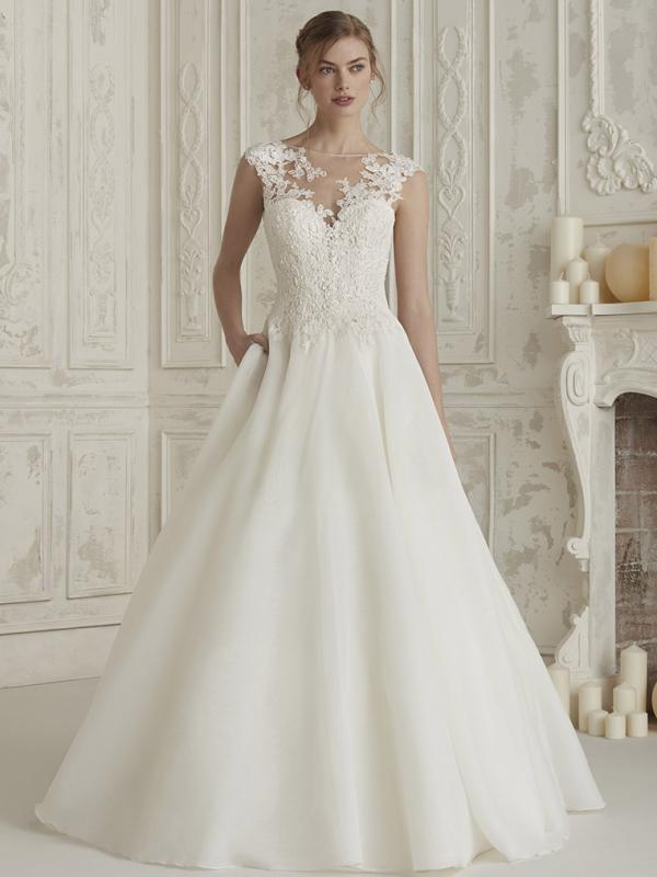 ELIODORA-B PRONOVIAS 2019 HALF LACE PLAIN SKIRT ILLUSION BODICE BALLGOWN WEDDING DRESS LUV BRIDAL AUSTRALIA