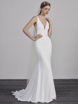 ESTILO-B PRONOVIAS 2019 FITTED SIMPLE SLEEK ELEGANT V NECK WEDDING DRESS LUV BRIDAL AUSTRALIA
