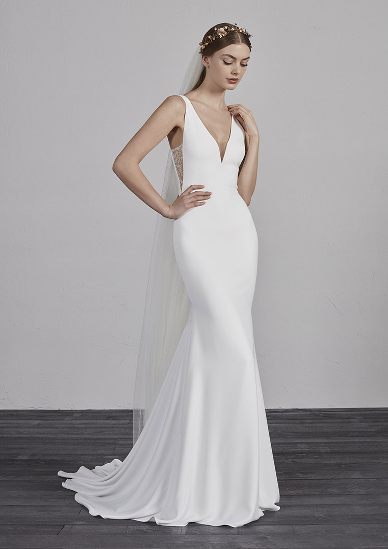 a304c90ea37 ESTILO-B PRONOVIAS 2019 FITTED SIMPLE SLEEK ELEGANT V NECK WEDDING DRESS  LUV BRIDAL AUSTRALIA