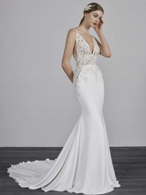 EMILY PRONOVIAS 2019 OFF WHITE WEDDING DRESS LUV BRIDAL AUSTRALIA