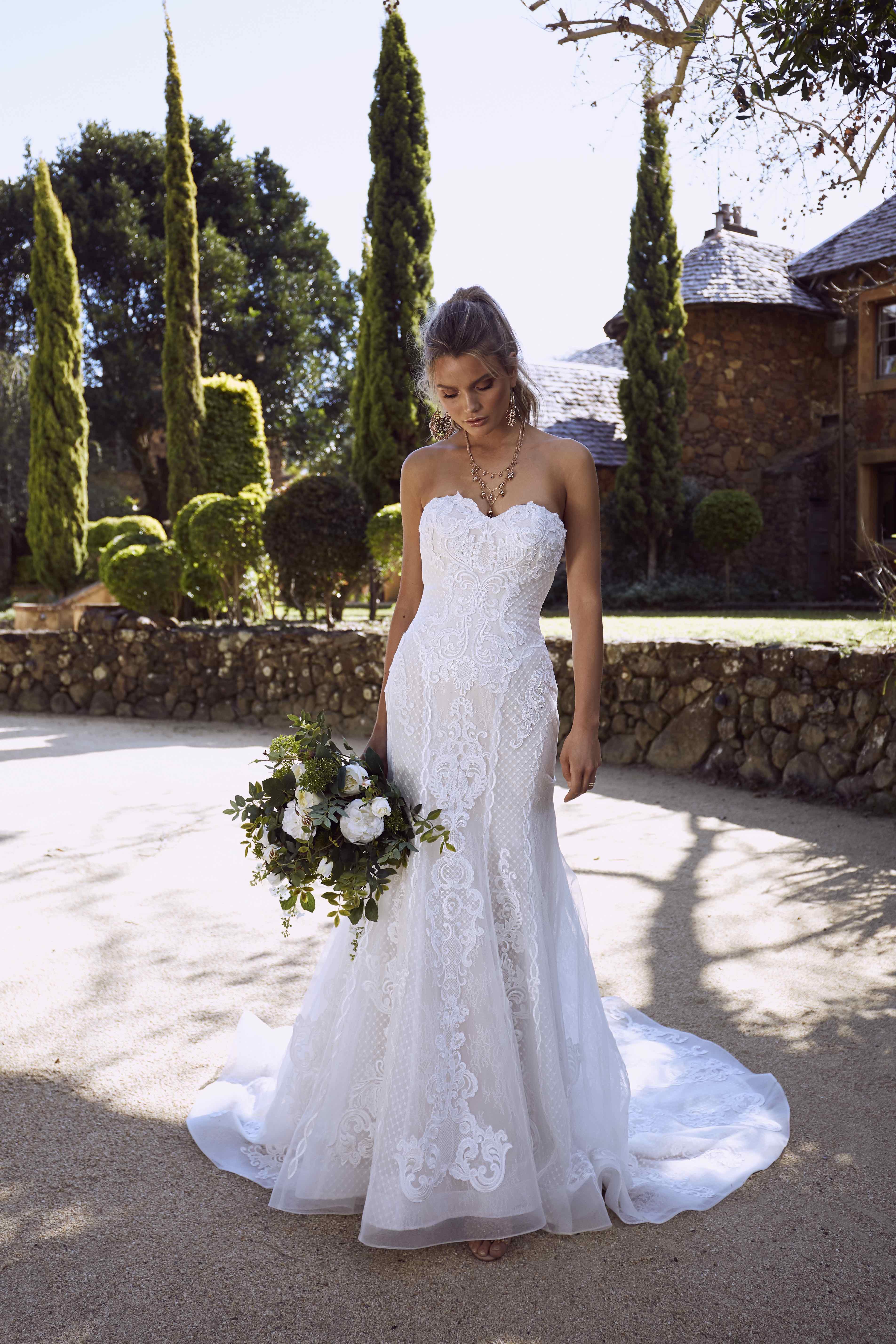 Sweetheart Wedding Dress.Romana Luv Bridal