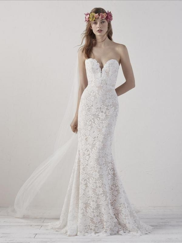 EITHEL PRONOVIAS SWEETHEART STRAPLESS FITTED LACE WEDDING DRESS LUV BRIDAL AUSTRALIA