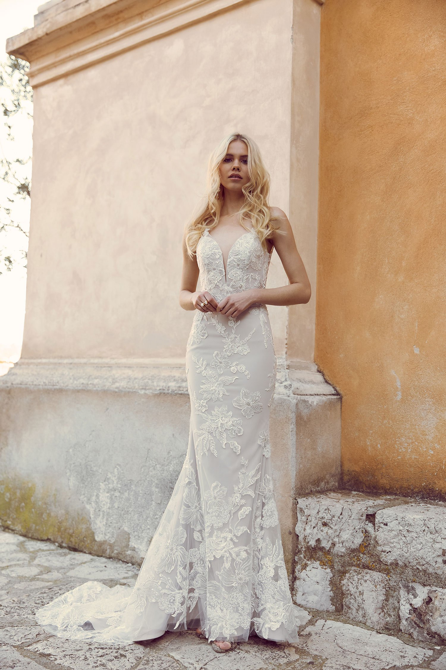 HUDSON-ML7519-FULL-LACE-FITTED-GOWN-WITH-PLUNGING-NECKLINE-LACE-STRAPS-LOW-BACK-AND-ZIPPER-WEDDING-DRESS-MADI-LANE-BRIDAL1-