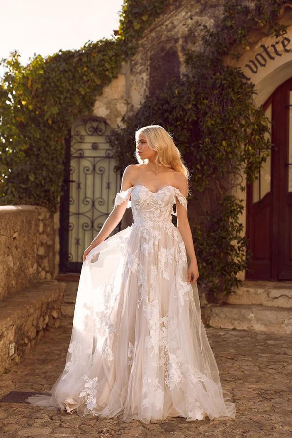 ELORA ML8518 Lace and Tulle Gown with Fitted Bodice and Floaty Tulle Skirt with Detachable Off-shoulder Straps Wedding Dress