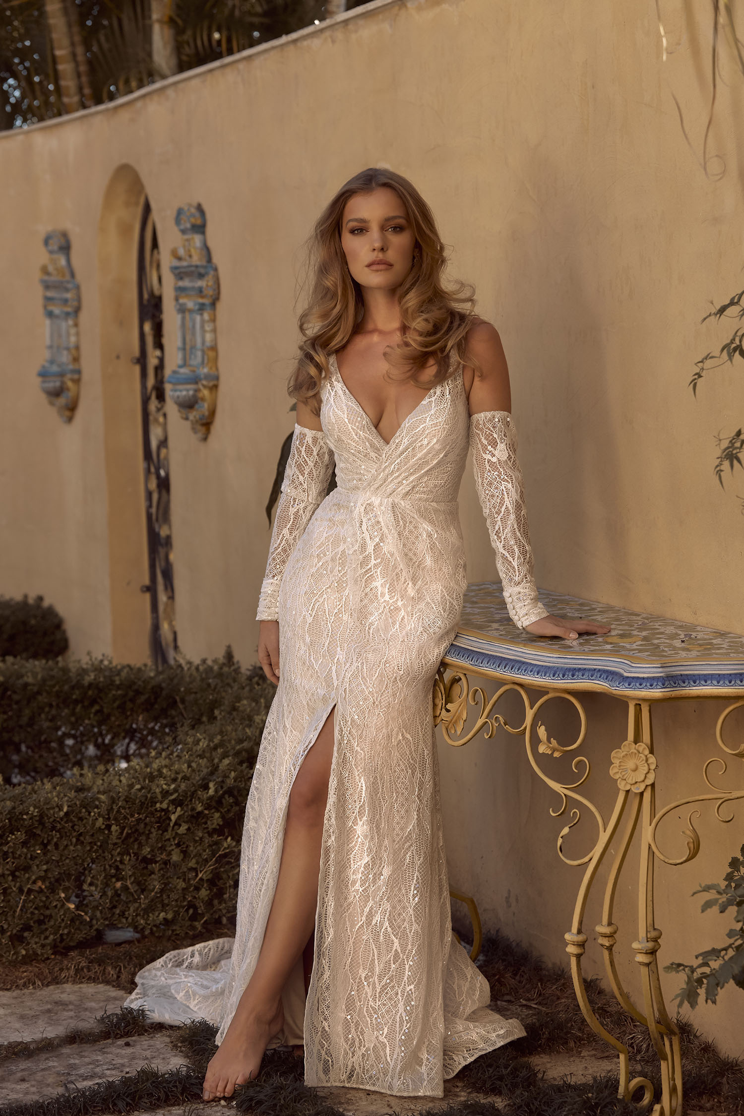 BILLIE ML19299 FULL LENGTH FIT AND FLARE SILHOUETTE V-NECKLINE WITH LACE SEQUINS SPARKLE DETACHABLE FITTED SLEEVES AND DEEP V ZIP CLOSURE FINISH WEDDING DRESS MADI LANE BRIDAL2