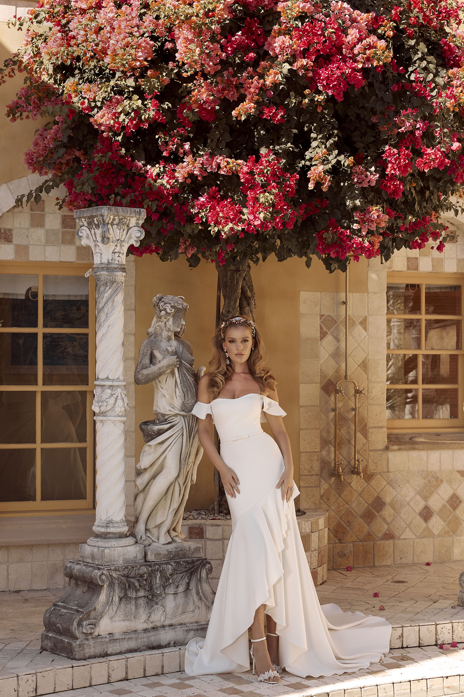 BLAKE ML18012 HI-LOW FIT FLARE SILHOUETTE SEMI-SWEETHEART NECKLINE WITH DETACHABLE BELT AND FLUTTER SLEEVES INCLUDED WITH ZIP CLOSURE FINISH WEDDING DRESS MADI LANE BRIDAL1