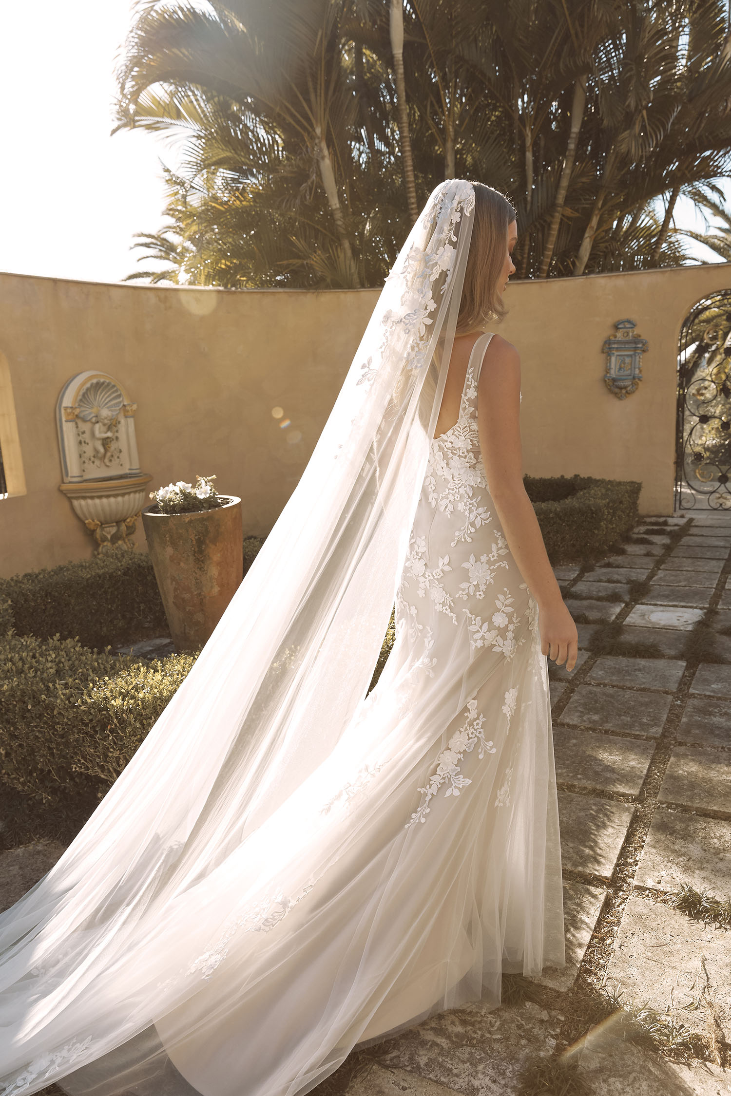 BLAYNE VEIL V987 CATHEDRAL LENGTH WITH LACE APPLIQUES PAIRED WITH GOWN ML19487 VEIL MADI LANE BRIDAL1