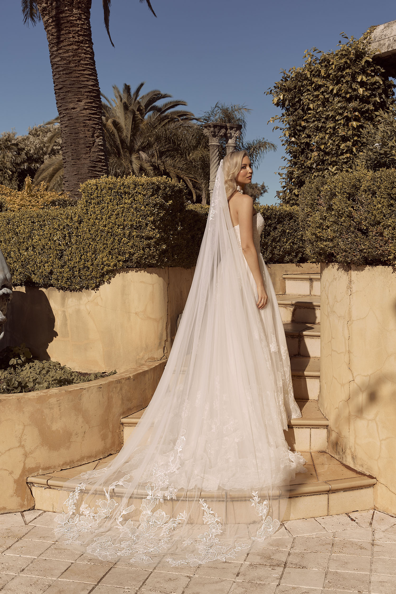 BRONTE VEIL V909 MATCHING CATHERAL LENGTH VEIL PAIED WITH GOWN ML19009 VEIL MADI LANE BRIDAL1